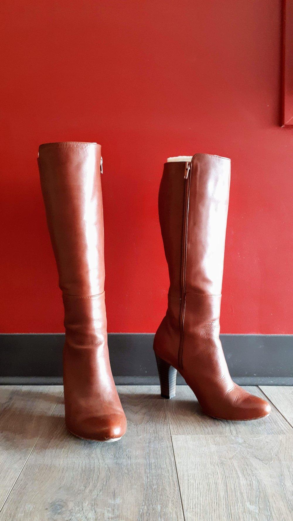 Poppy Barley; Size 7, $165