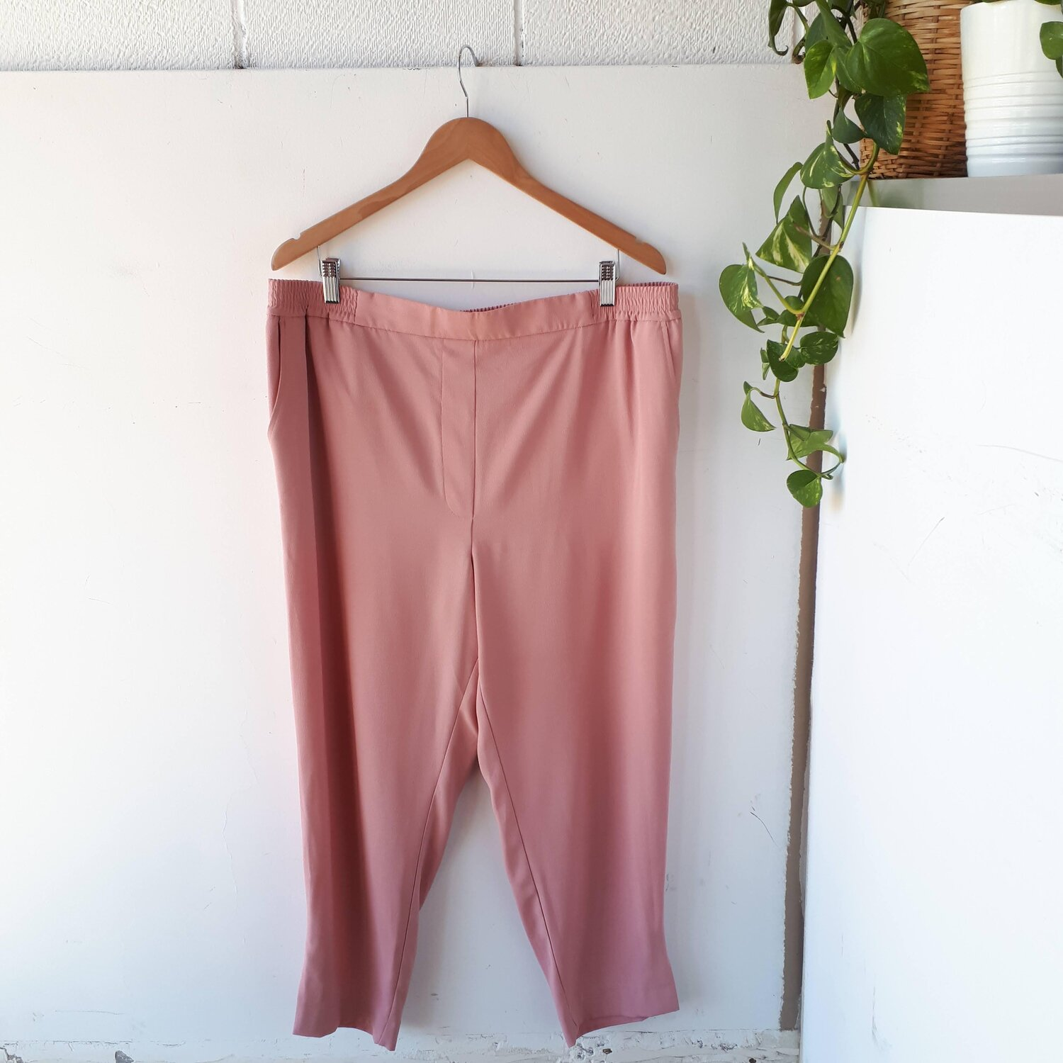 Anthropologie rose pants, Size XL  Red Pony Consignment
