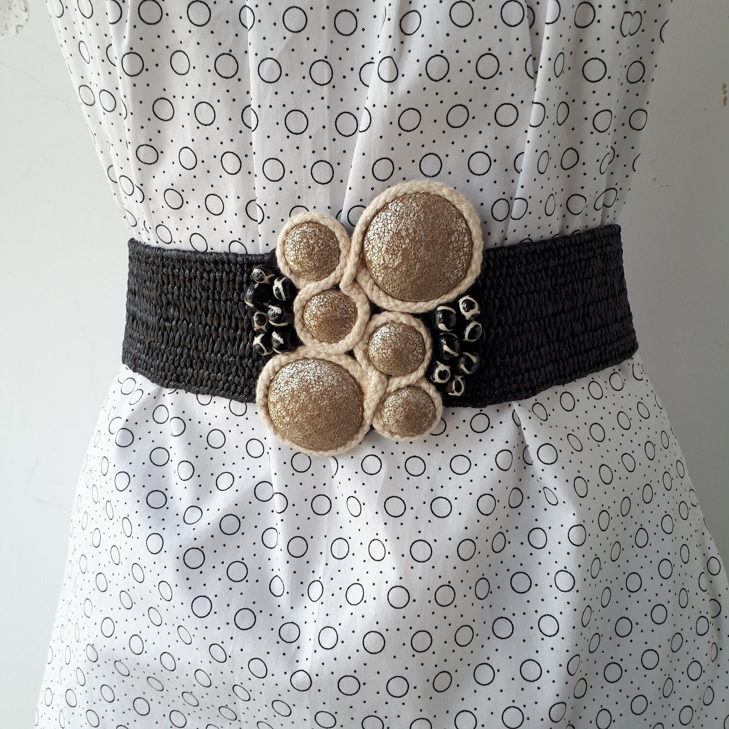 Champagne bubbles belt, Size M  Red Pony Consignment
