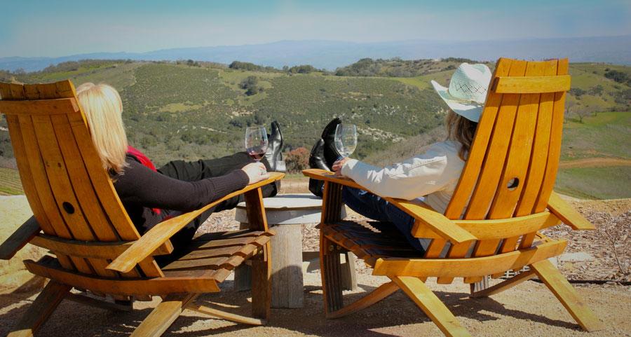 winery-women-hills-scenery.jpg
