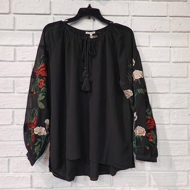 The Mariah Embroidered Long Sleeve Top is the perfect amount of delicate and feminine flair you need in your closet 🌹 Snag it now at @karmabtq!