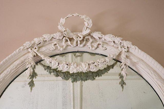 Detail on a mirror. #architecuraldetail #oldhouse #historic #historichome #clarkecounty #piedmont