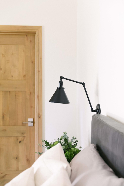 Jimena-Peck-Denver-Vail-Interior-Editorial-Photographer-Peaceful-Pad-Lamp