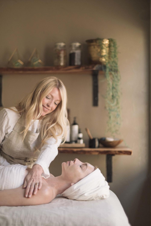 Jimena-Peck-Denver-Lifestyle-Editorial-Photographer-Mandara-Spa-Massage