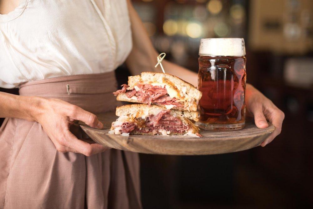 Jimena-Peck-Denver-Food-Photographer-Gordon-Biersch-Brewery-Pastrami-Sandwich