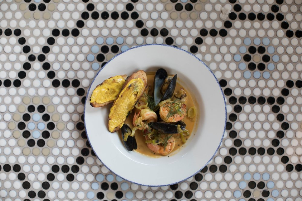 Jimena-Peck-Denver-Food-Photographer-The-Emporium-Kitchen-And-Wine-Market-Mussels-Contrast-Dish