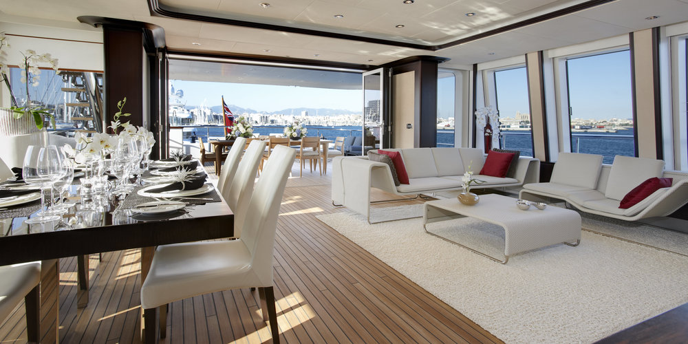 The-Helix-Superyacht-Bridge-Deck-Lounge.jpg..jpg