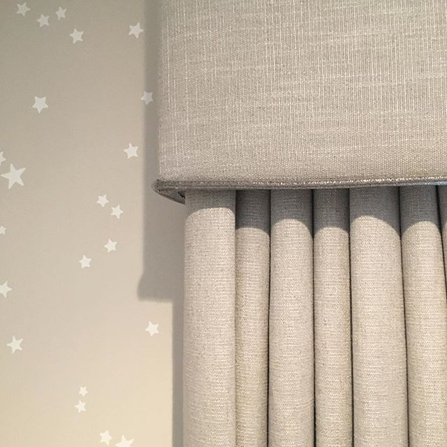 Nursery wallpaper and curtains are up! This warm grey room is going to be perfect for either a baby girl or boy. #hushdesignuk #nursery #baby #grey #stars #instaspiration #curtains #wallpaper