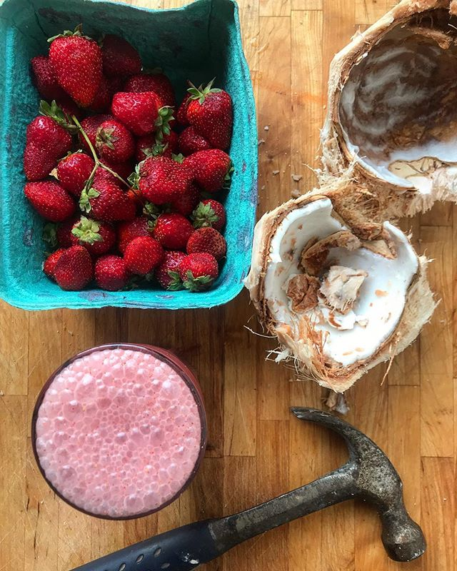 Something local and something not so local. I love getting as much produce as I can from the farmers market but I'm also so grateful for the fact I can buy a coconut. Coconut meat and water, strawberries, Ashwaganda, sea salt, ice.