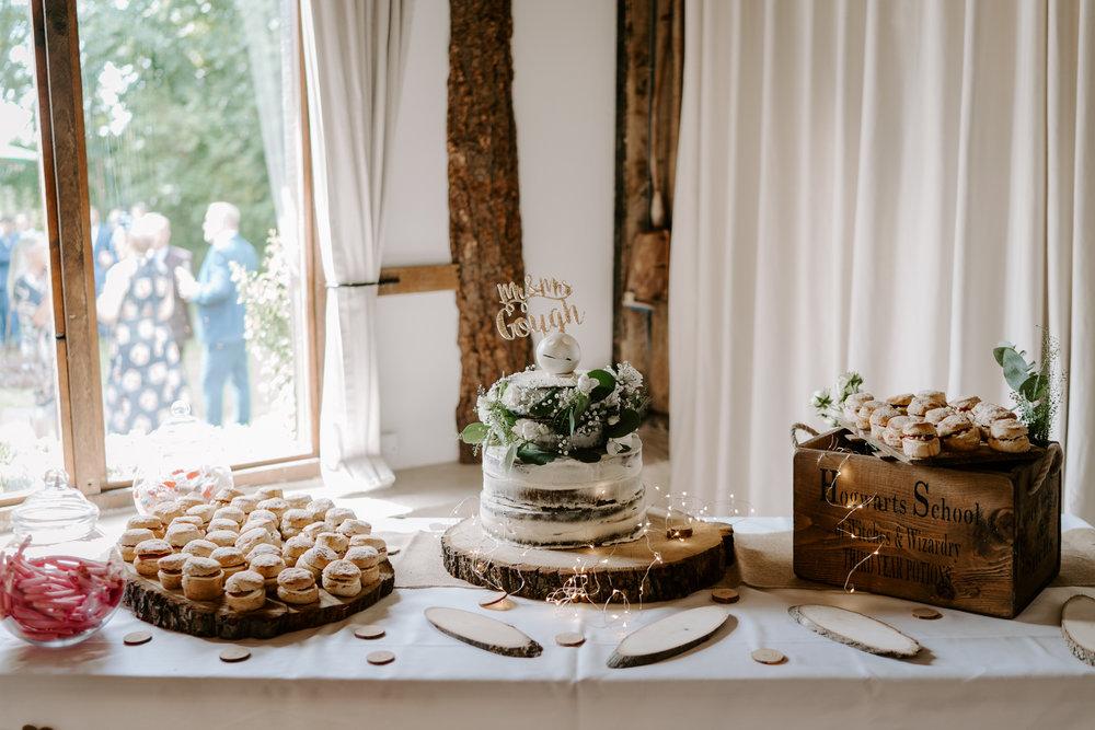 clock-barn-wedding-photographer