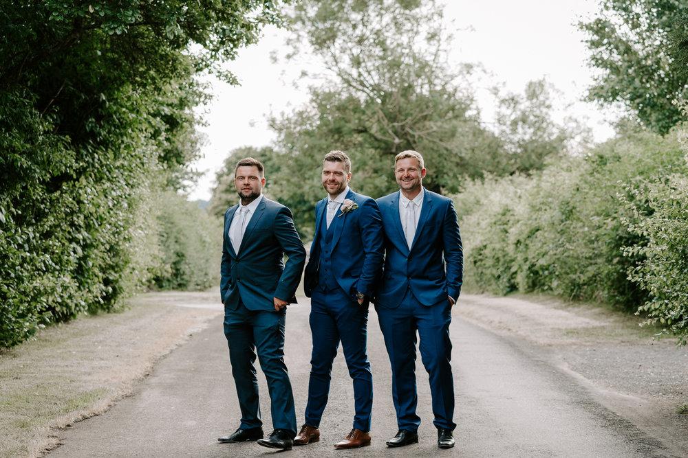 wedding-photographer-groom-portraits