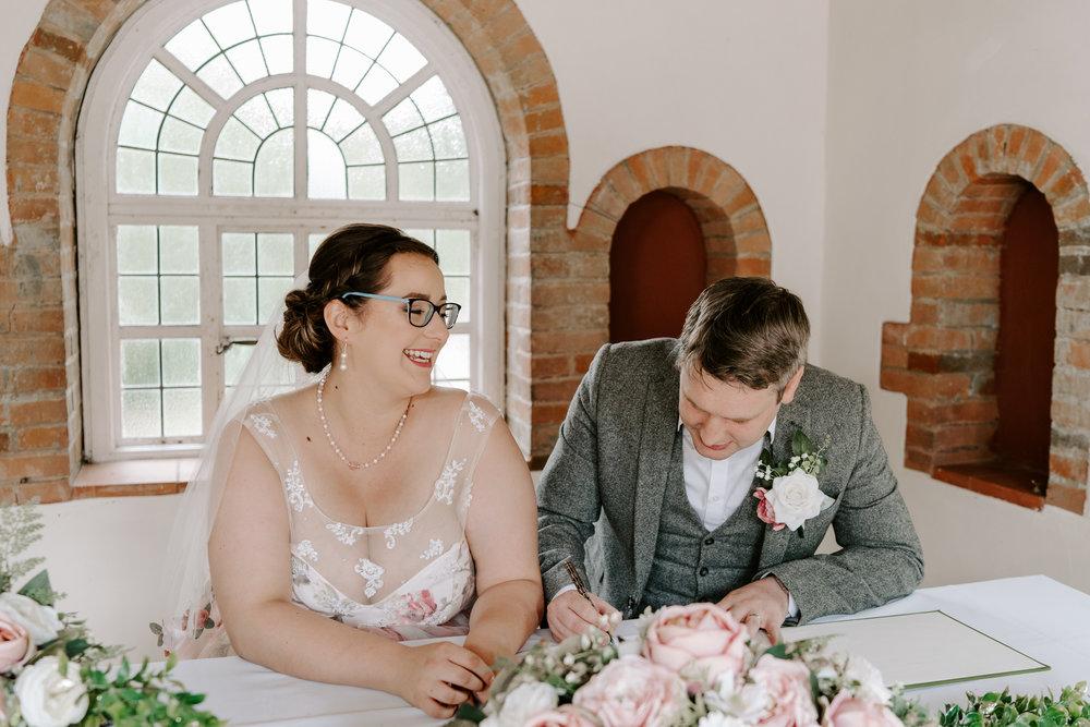 natural-wedding-photographer-hampshire