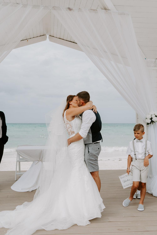 destination-wedding-photographer-santorini
