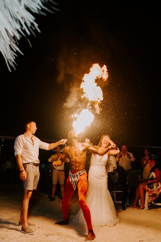 festival-wedding-wiltshire