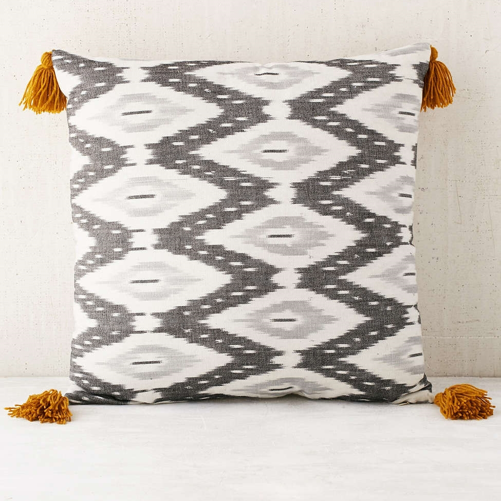 fresh pillows for spring carla schwartz design 1 anthropologie 2 pbteen 3 target 4 target 5 ballard designs 6 cb2 7 world market 8 urban outfitters 9 z gallerie 10 the little market