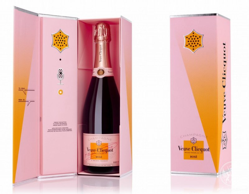 Gift your lover a   Veuve Clicquot   call gift box, which lets you record a voice message for the recipient.