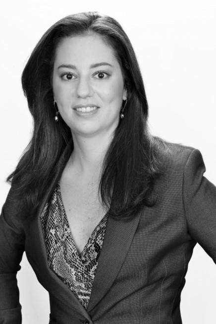 Natasha Pryngler - Mais de 15 anos de ampla experiência em renomados escritórios nacionais e internacionais, com foco na implantação de empresas estrangeiras no Brasil, em empresas do mercado de economia criativa e digital e em soluções jurídicas empresariais.MBA Executivo, IESE Business School, 2015-2017.LLM em Direito e Economia, Universidade de Ghent, 2010.LLM em Direito e Economia, Universidade de Rotterdam, 2010.Bacharel em Direito, Faculdade de Direito da PUC-SP, 2004.natasha@alvespryngler.com.