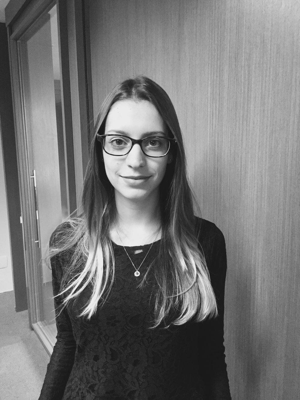 Bruna Castro - Bacharel em Direito, Universidade Mackenzie.bruna@alvespryngler.com