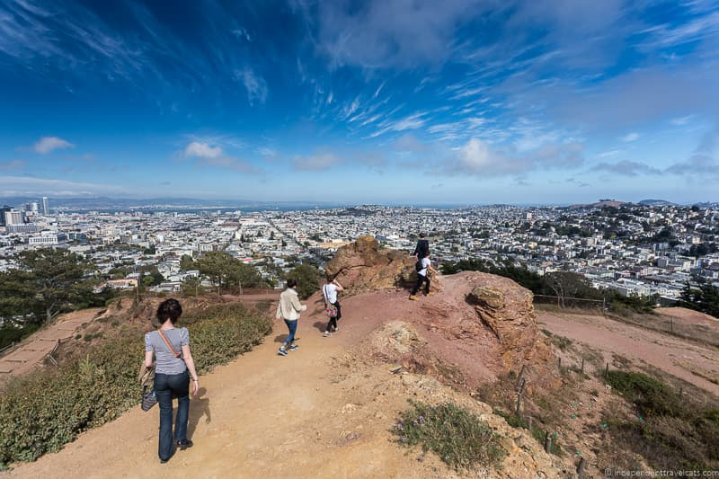 SF-Native-tour-walk-down-from-Corona-Heights-to-castro_by_Laurence-Norah.jpg