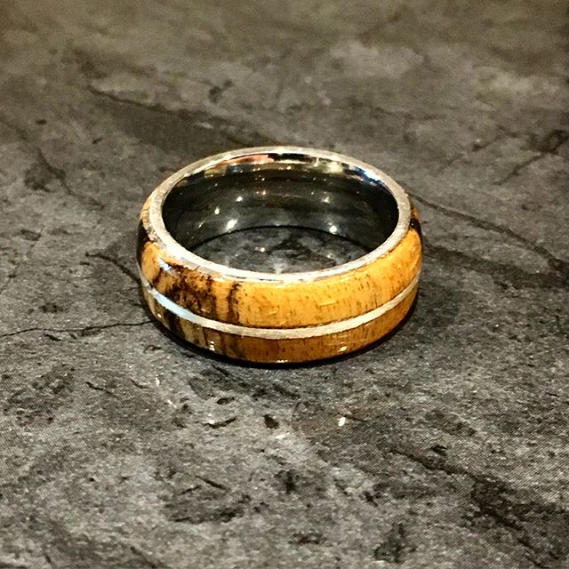 Still learning as I go with the rings, but this came out pretty smexy. A custom order Black and White Ebony ring with silver inlay for a super cool couple 😉 ****** #centralcurios #ring #woodring #blackandwhiteebony #wandmaker #wood #woodworking #woodworker #woodcarving #carving #exoticwood #harrypotter #handmade #silver #silverinlay