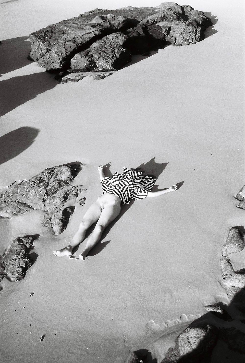 Illusion quilt over me at Coolum beach, 2016, 35mm print (photo Rhett Wyman)