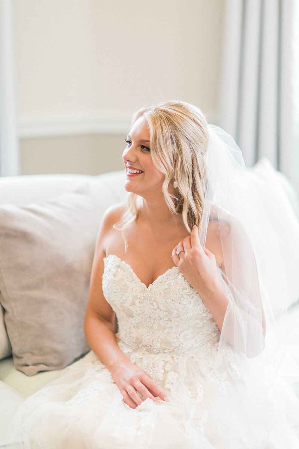 The Windsor Bridal Photos - Elegant Photography