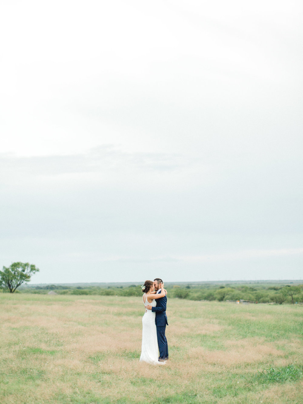 Coyote Ranch Resort Wedding Photos - Light and Airy Photography