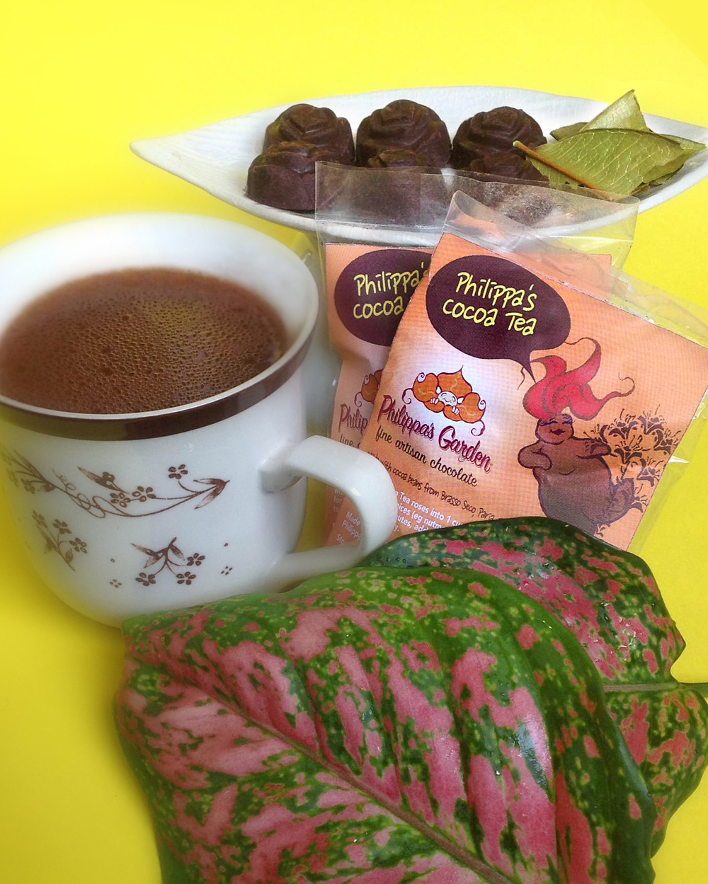 PHILIPPA'S COCOA TEA (CREOLE COCOA)   Our traditional Cocoa Tea roses are 100% roasted and ground trinitario cocoa beans. Cuddle up with a cup on a rainy day or grate a little into your coffee for a unique flavour.  Grate 2 Cocoa Tea roses into a cup of boiling water with optional spices (e.g. nutmeg or bay leaf) for at least 5 minutes, add condensed milk to taste and enjoy.