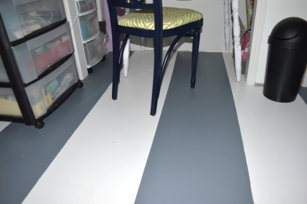 mobile-home-painted-sub-floor