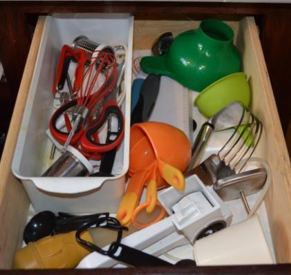 Make a divider to organize baking utensils
