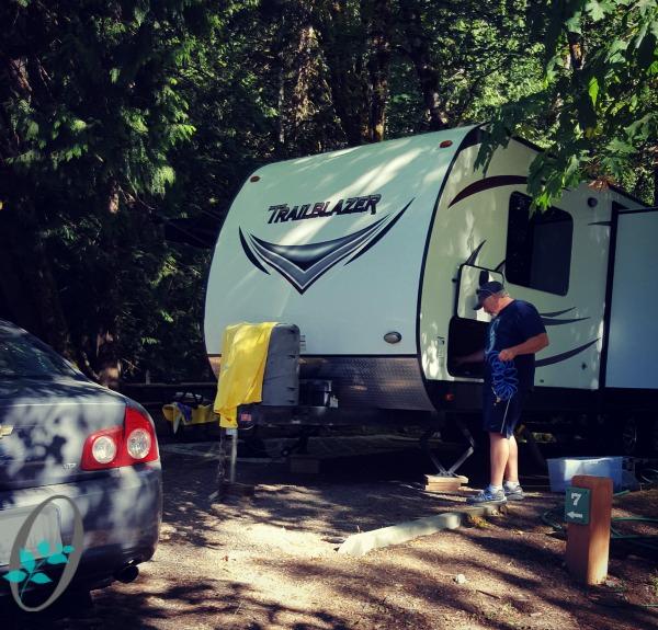 Log-Cabin-Resort-RV-Campground