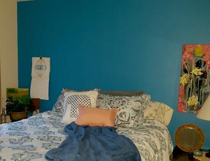 bedroom without headboard.jpg