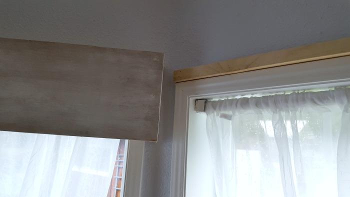 diy wooden cornice for bay windows.jpg