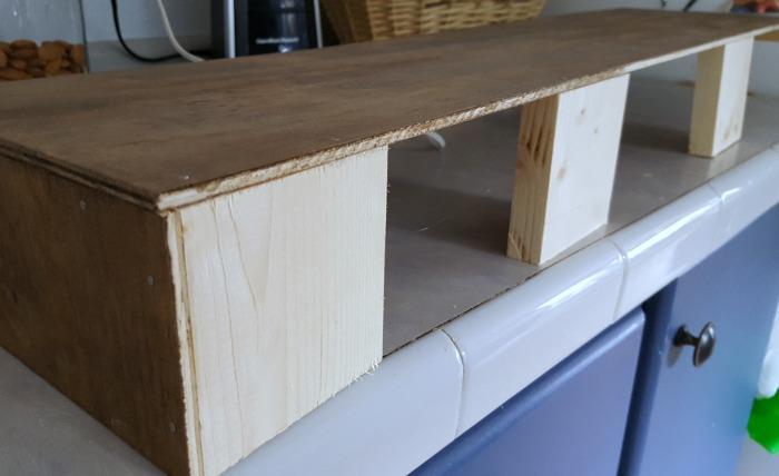 diy wooden cornices for bay windows.jpg
