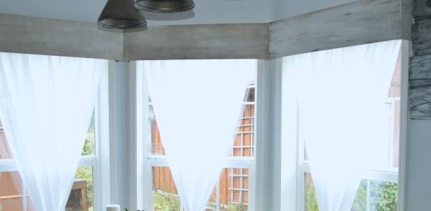 kitchen+nook+window+treatment+of+the+%24100+room+challenge.jpg