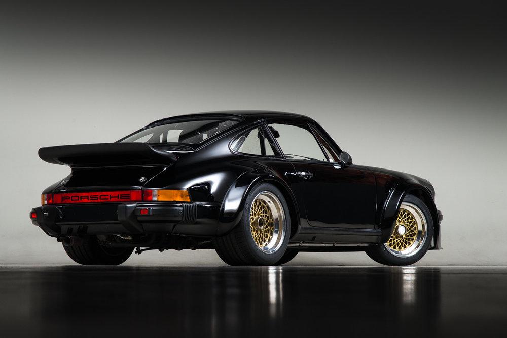 76 Porsche 934 68.jpg