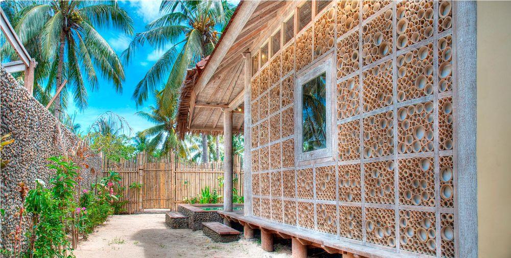 Villa wall in bamboo in Gili trawangan