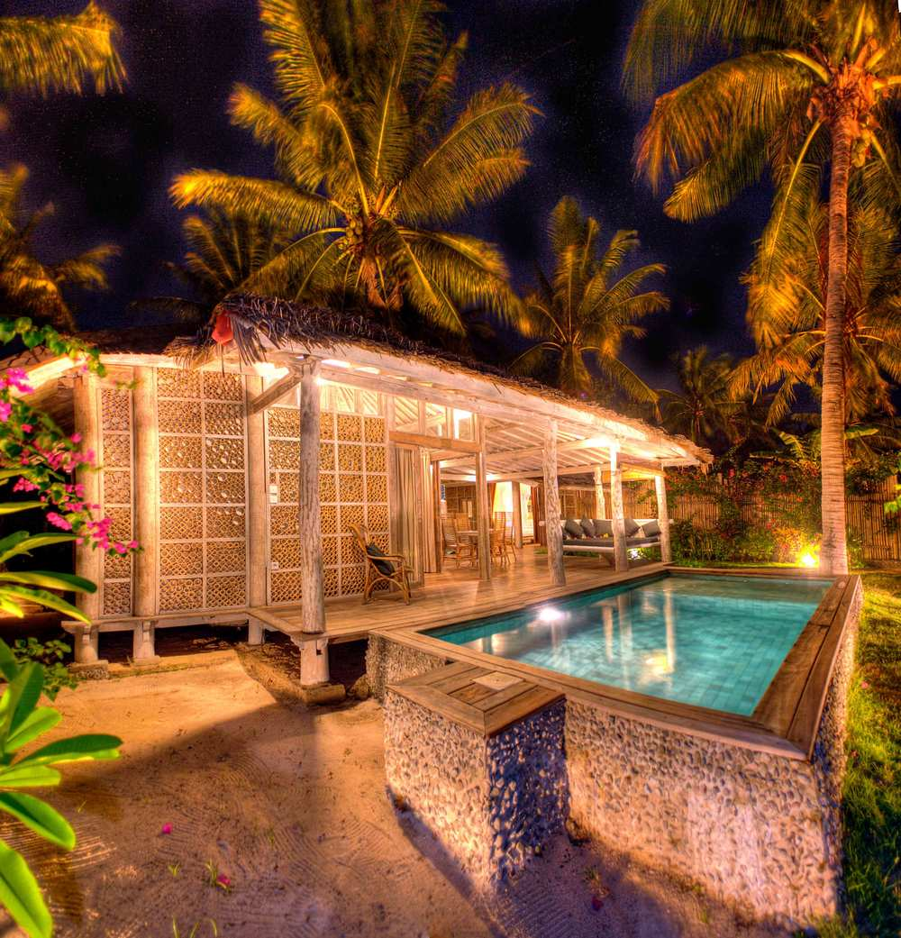 Villa by night in Gili