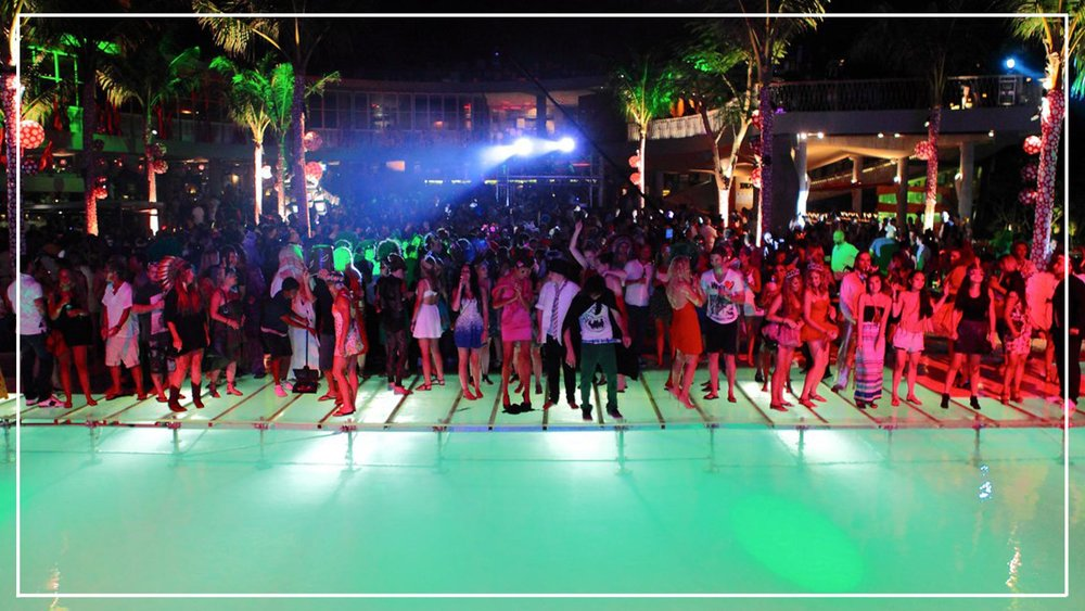 party-nightlife-giliislands-lesvillasottalia