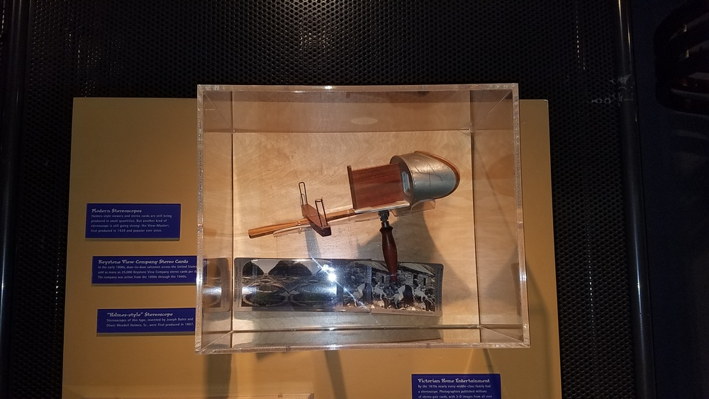 Pacfic Science Center - History of 3D - VoyagerVR (9).jpg