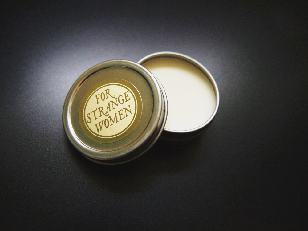 for strange women's perfume enhancing fixative base