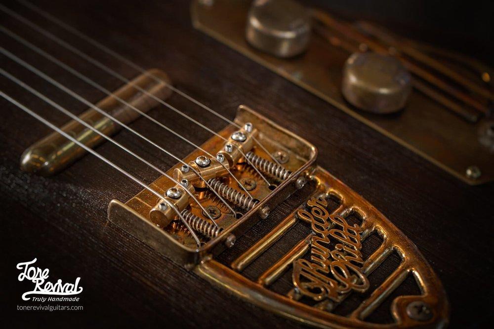 Guitar5-1.jpg