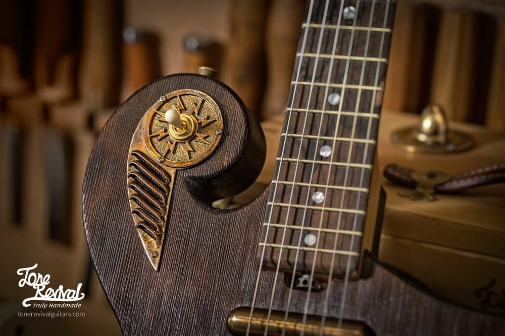 Guitar5-3.jpg