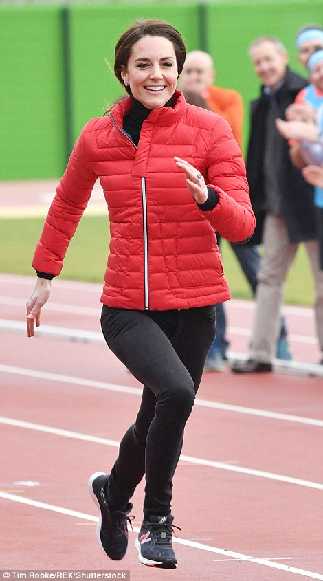 Kate Middleton in Perfect Moment8.jpg