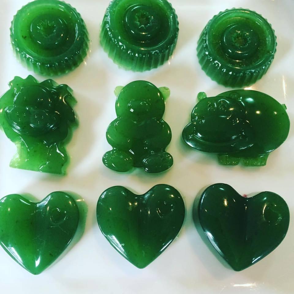 green gummy.jpg