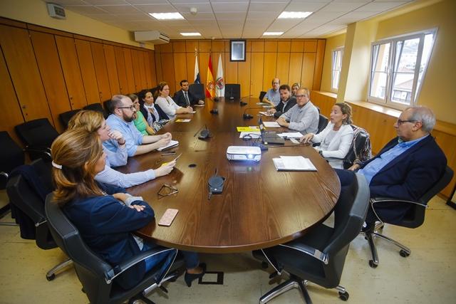 Esta iniciativa fue presentada a los centros escolares y las asociaciones de padres y madres en varias reuniones, la última tuvo lugar el 14 de noviembre, y cuenta con su aprobación  Las Palmas de Gran Canaria, viernes 24 de noviembre de 2017.-