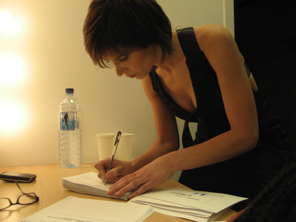 Repasando el guión antes de presentar el festival de cine de Ourense de 2007