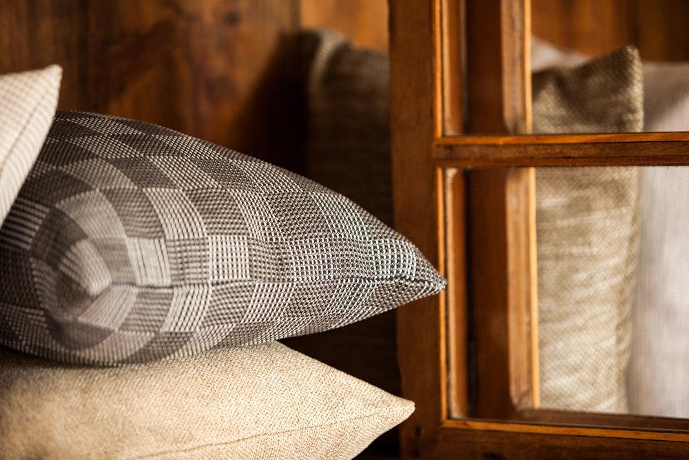 DECORAÇÃO - Linha decoração para ambientes internos e externos. Estampas coordenadas deixam o espaço com um toque especial.