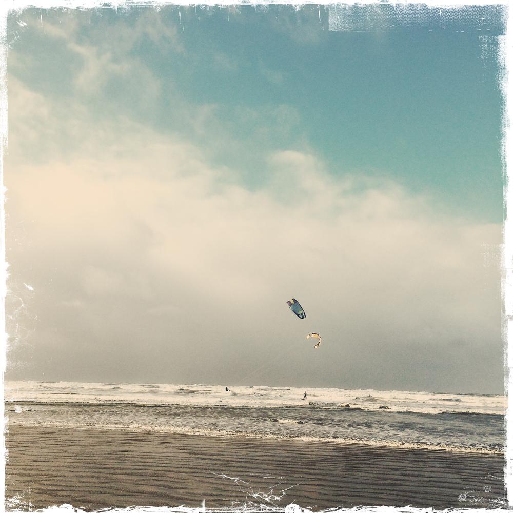 Saunton kite surfing