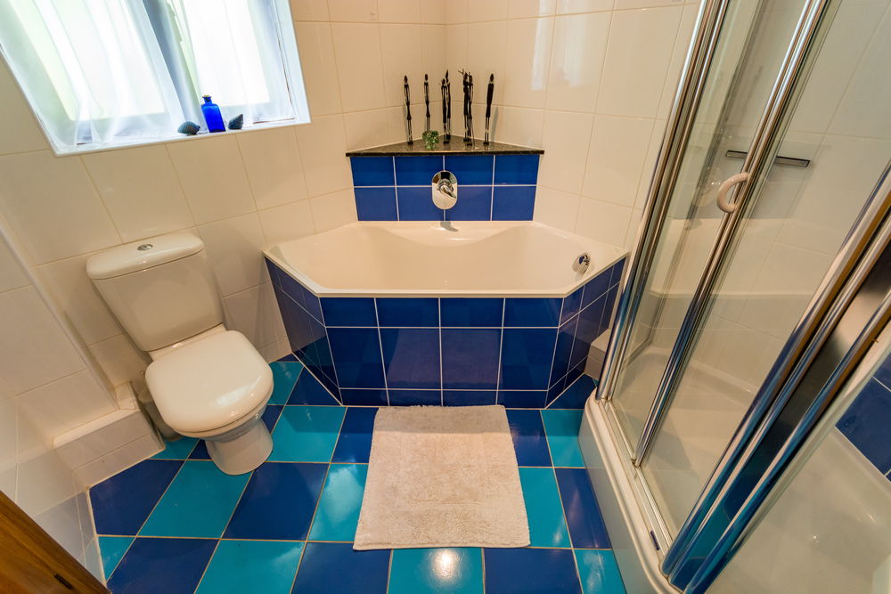 Family Bathroom 2 - Beech Nook Thornthwaite, Keswick Holidays Self Catering.jpg